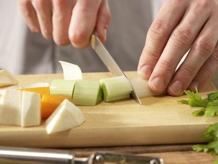 """Gemüseeintopf """"Drachenfest"""": Zubereitungsschritt 2"""