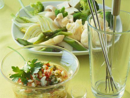 Gemüsefondue mit Eier-Kräutersauce
