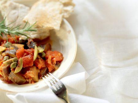 Gemüsepfanne süß-sauer mit Kapern und grünen Oliven