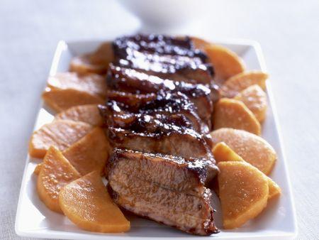 Glasiertes Schweinefleisch mit Süßkartoffeln