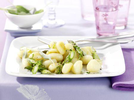 Gnocchi mit grünem Spargel in Limetten-Salbei-Butter