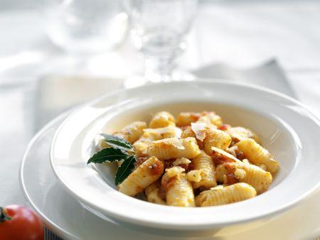 Gnocchi mit Tomatensugo und Parmsan