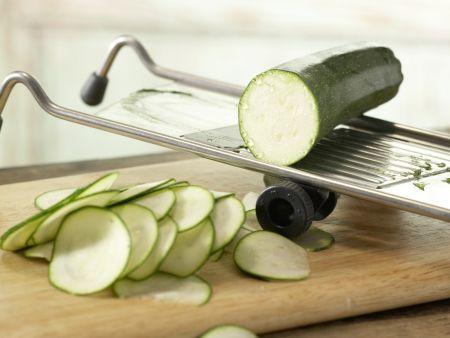Gnocchi-Zucchini-Pfanne: Zubereitungsschritt 1