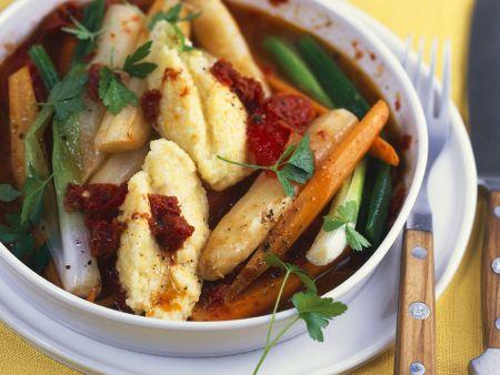 Grießklößchen mit Gemüseragout