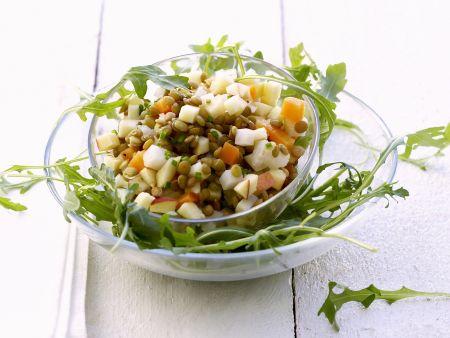 Salat aus grünen Linsen dazu Rucola