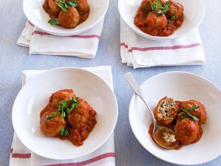 Hackbällchen mit Tomatensauce