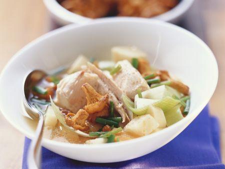 Hähnchen-Gemüse-Topf mit Pfifferlingen