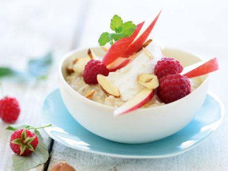 Hafer-Hirse-Porridge mit Apfel und Himbeere