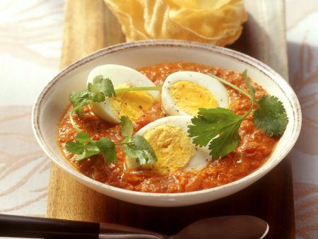 Harte Eier in asiatischer Tomatensauce