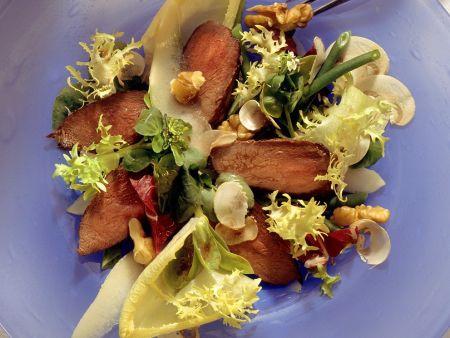Hasenfilet auf Salatbett