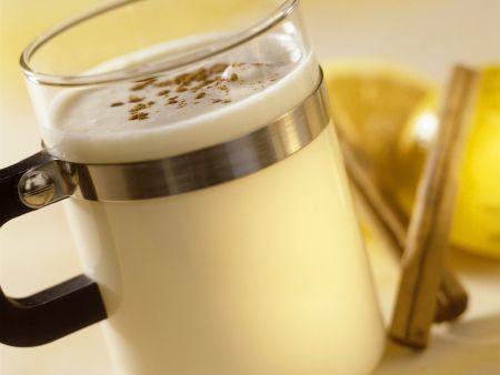 Heiße Eierlikör-Milch