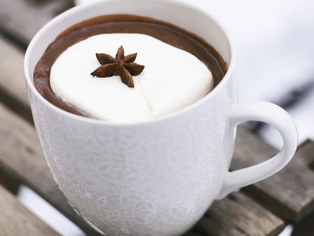 Heiße Schokolade mit Sternanis