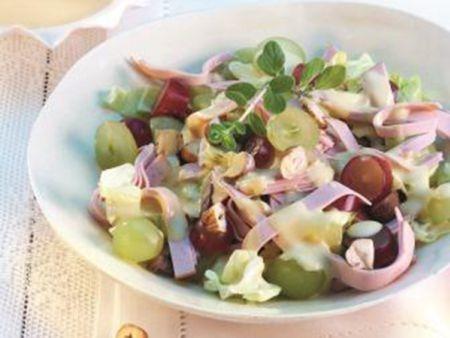 Herbstlicher Trauben-Wurst-Salat