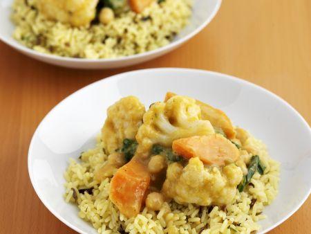 Indisches Curry-Gemüse mit Reis
