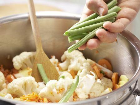 Indisches Gemüse-Curry: Zubereitungsschritt 7