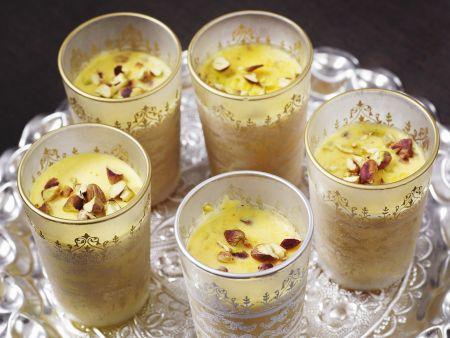 Indisches Joghurteis mit Safran