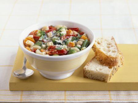 Italienische Gemüsesuppe (Minestrone)