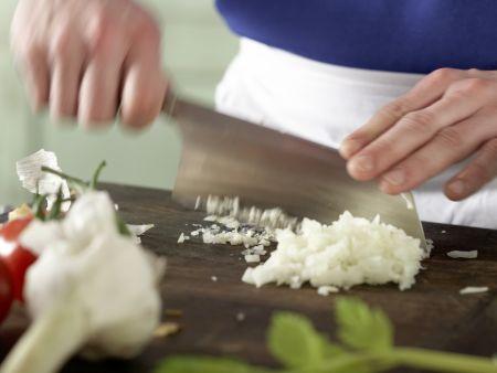 Italienische Gemüsesuppe: Zubereitungsschritt 2