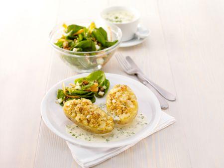 Käsekartoffeln mit Spinatsalat
