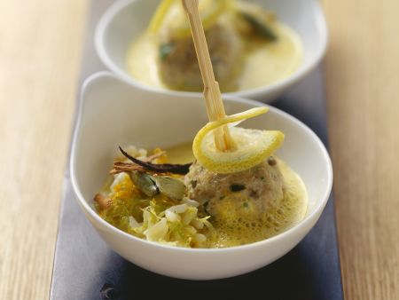 Kalbsfleischklößchen in Zitronen-Kardamom-Soße