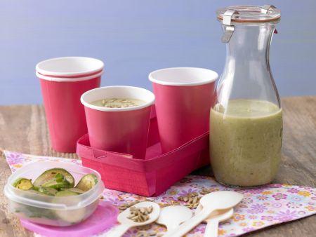 Kalte Zucchinisuppe mit Joghurt
