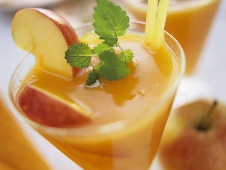 Karotten-Apfel-Shake mit Sanddorn