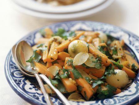 Karottensalat mit Perlzwiebeln und Koriander