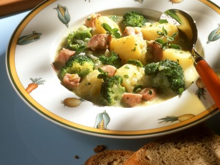 Kartoffel-Kassler-Topf mit Brokkoli