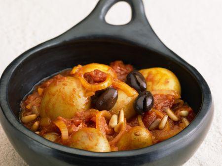 Kartoffeln in würziger Tomatensoße