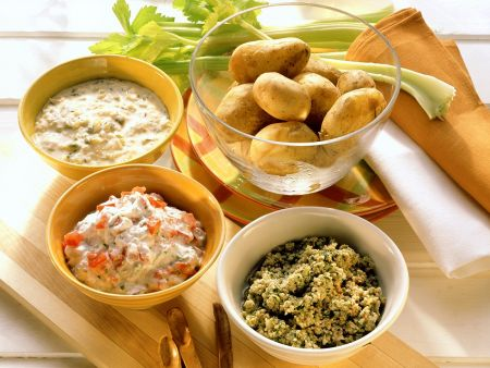 Kartoffeln mit dreierlei Saucen