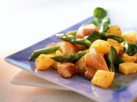 Kartoffelsalat mit grünem Spargel und Waller