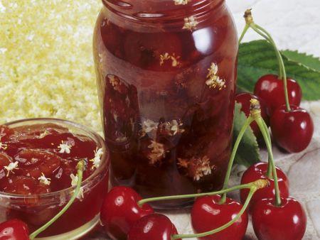 Kirsch-Holunderblüten-Marmelade