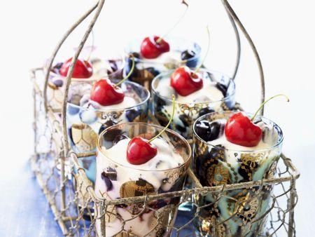 Kirschen-Trifle