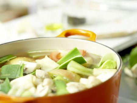 Klassische Gemüsebrühe: Zubereitungsschritt 7