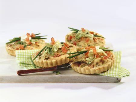 Kleine Quiches mit Thunfisch und Lauchzwiebeln