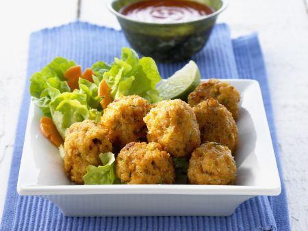 Knusprige Shrimpsbällchen mit Chilisoße