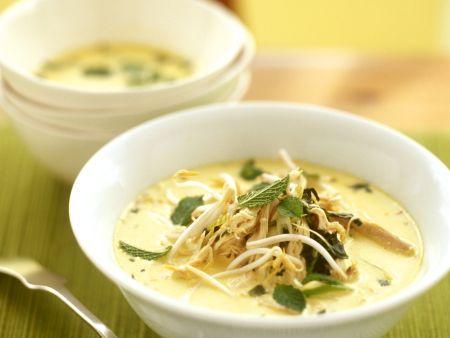 Rezept: Kokos-Hähnchensuppe mit Sprossen