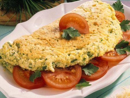 Kräuter-Omeletts mit Tomaten