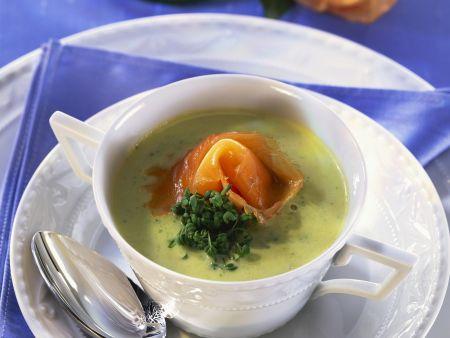 Kresse-Zucchini-Suppe mit Räucherlachs