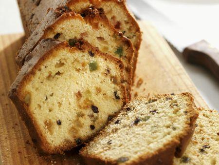 Kuchen mit Trockenfrüchten