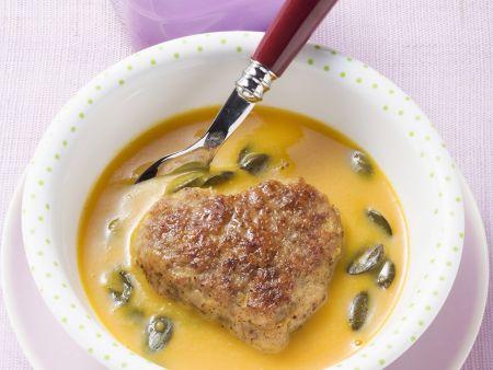 Kürbissuppe mit Frikadelle
