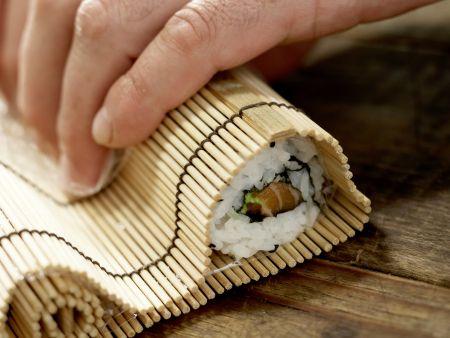 Lachs-Sushi: Zubereitungsschritt 8
