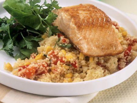 Lachsfilet auf Gemüse-Couscous