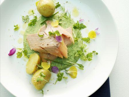 Lachs mit Kartoffeln und grüner Sauce
