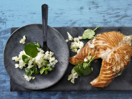 Lachskotelett auf Kohlrabi-Salat