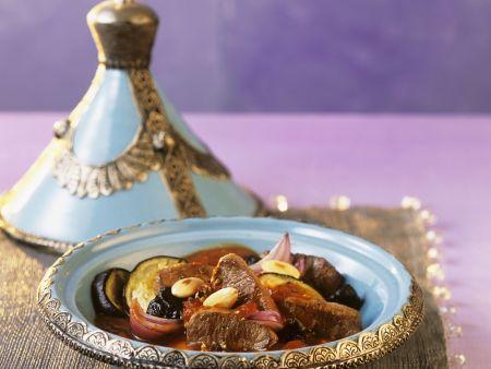 Lamm mit Gemüse und Mandeln aus der Tajine