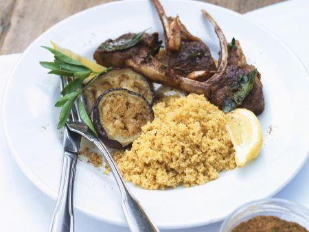 Lammchops mit Auberginen und Couscous