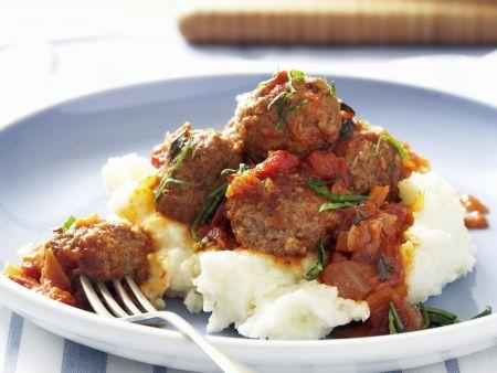Lammhackklößchen mit Tomatensoße