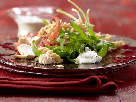 Lauwarmer Hähnchen-Nudel-Salat