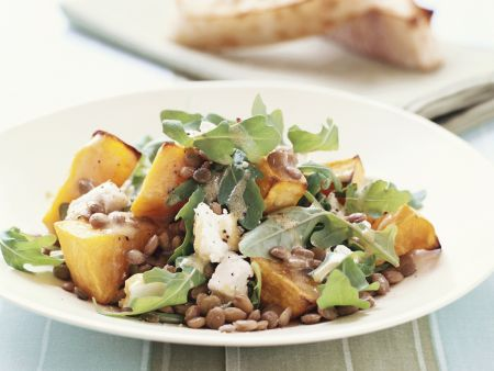 Linsen-Kürbis-Salat mit Ziegenkäse